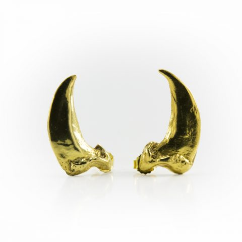 18k Yellow Gold Wolf Claw Earring made by Hand of Solomon Native Jewelry. Toronto Fashion and jewellery artist by Louise Solomon.